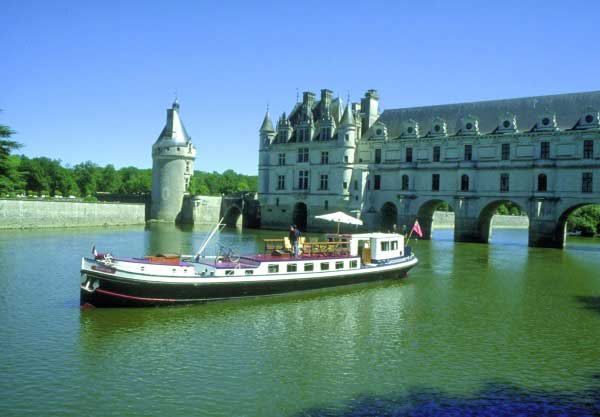 French Hotel Barge NYMPHEA Barging in France Loire Valley www.