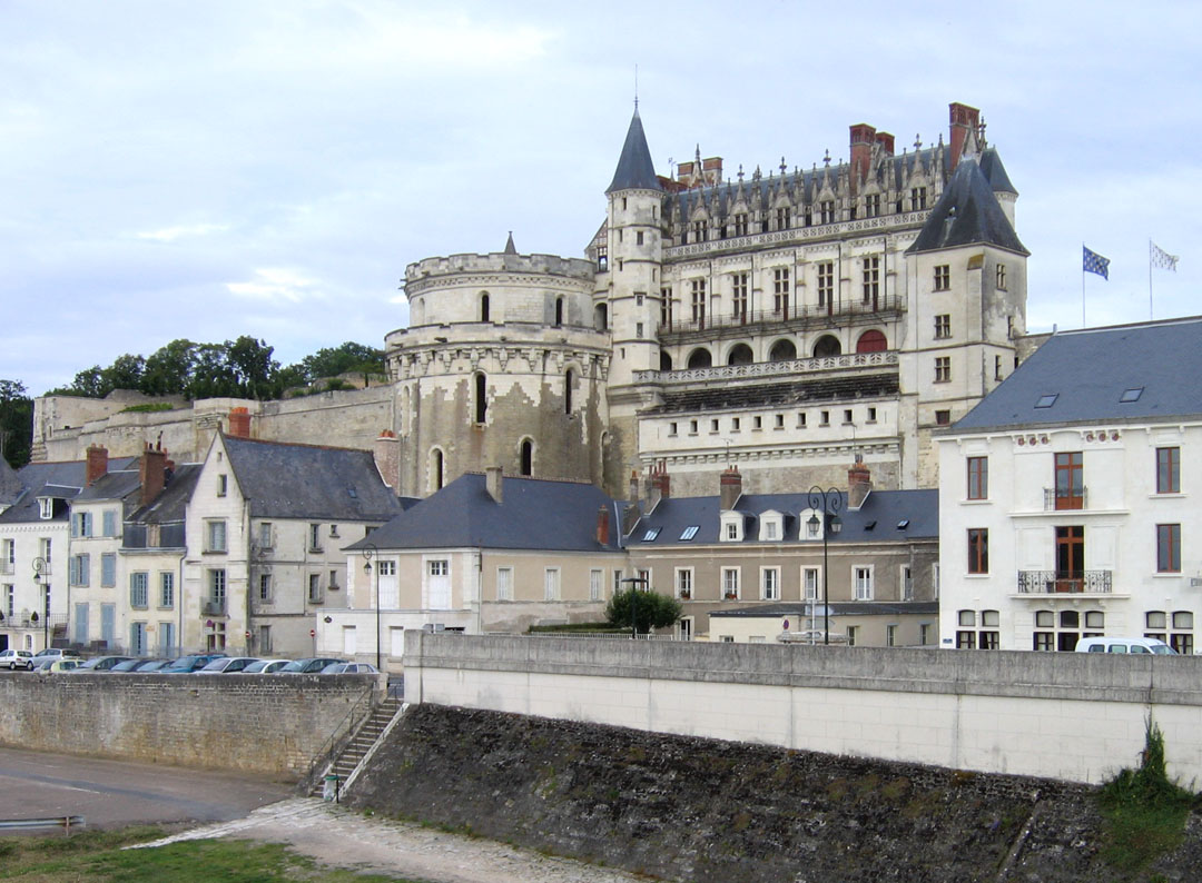 Cau D Amboise French Hotel Barge Nymphea Barging In France Loire Valley Www Bargecharters